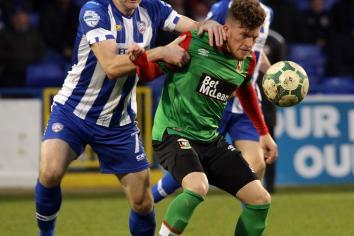 Glens hang on for point against ten-men Coleraine