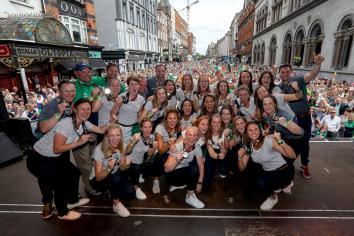 Mullan pays tribute to departing Ireland coach