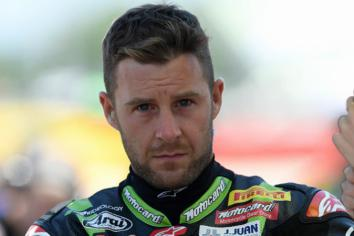 Rea closes in on title